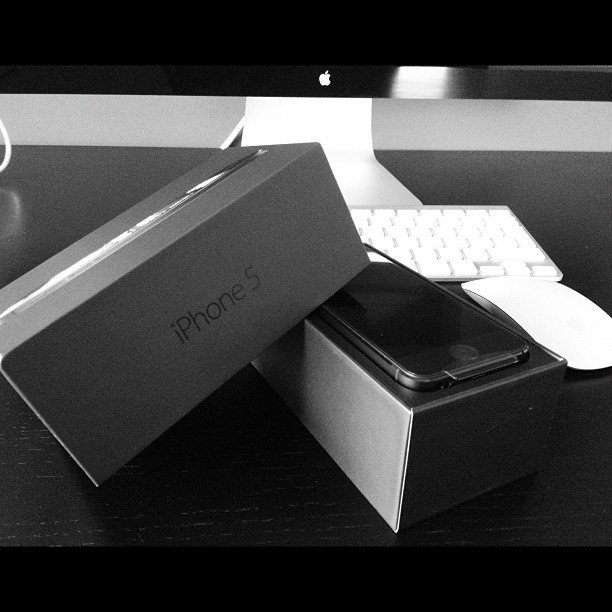 iPhone 5. In hand. Yummy.