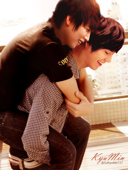 KyuMin with smile retouch by : SJKyuMin137 contact me on twitter : @SJKyuMin137 **please take out with full cradits**