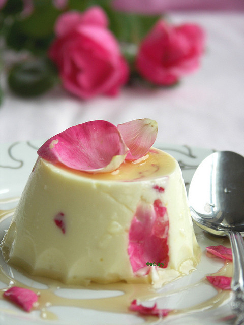totasteheaven:  Saffron Yogurt Mousse with Rose Petal Honey by Soma.R on Flickr.