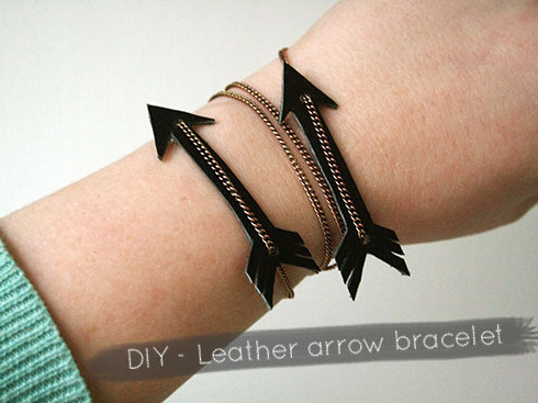 truebluemeandyou:  DIY Leather and Chain Arrow Bracelet Tutorial from By Wilma here. Super easy DIY that you could make with other leather/pleather shapes.