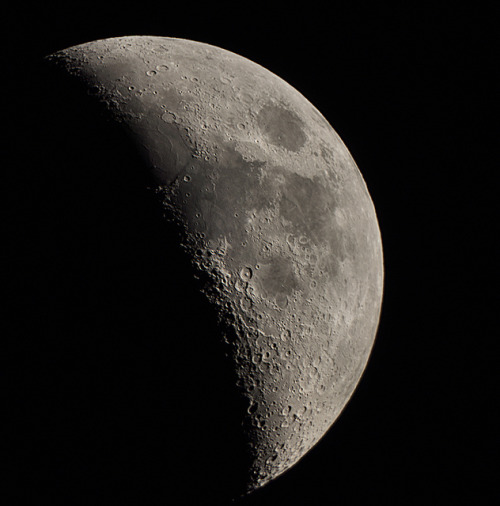 21-09-12 Moon with 6 inch Refractor by James Lennie on Flickr.