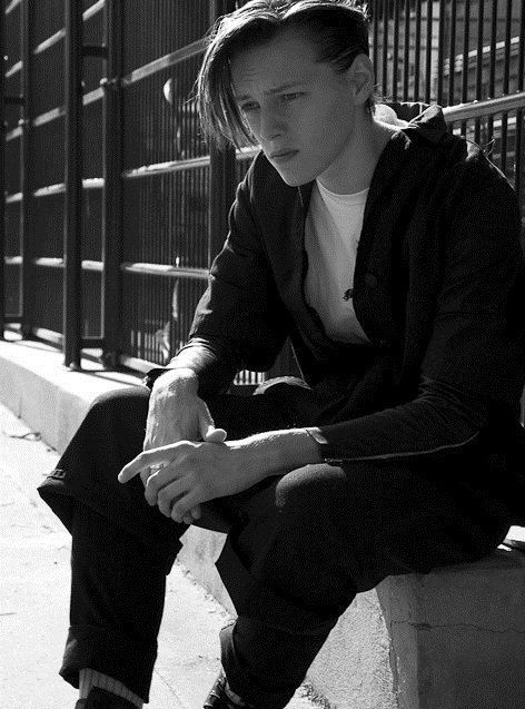 girls-will-be-boys:  Erika Linder