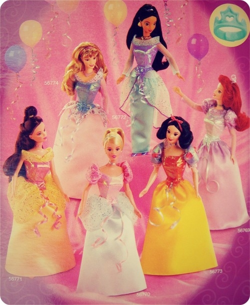 tonis-le-mot-juste:  Princess Party Collection- Disney Princessess Mattel, 2002