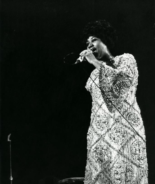 vintagesoulmusic:  round the way aretha tornandfrayed:  Aretha Franklin at the Concertgebouw in Amsterdam, 1968.