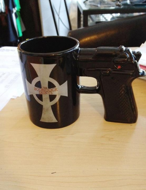 kubreckian:  Best coffee mug i have ever seen i need 2 of them for extra awesomness!!!