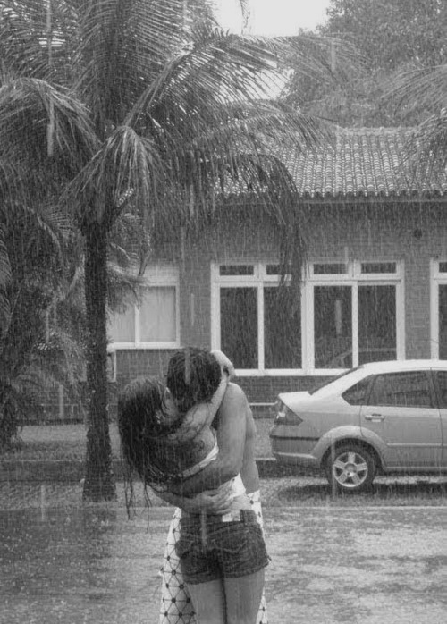 Kissing in inclamant weather