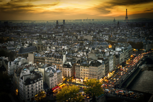 """dusk in Paris""  by Henry Mercieca"
