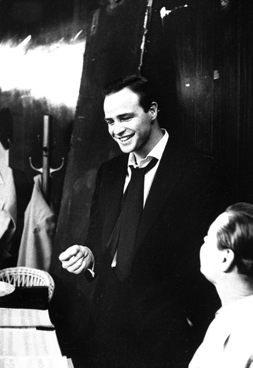 Marlon Brando in rehearsals for Guys and Dolls, 1955. Via terrysmalloy