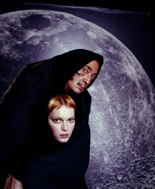 Salvador Dalí and Mia Farrow, 1964 — Philippe Halsman
