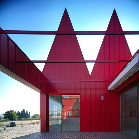 Young Disabled Modules and Workshop Pavilions  by José Javier Gallardo of ///g.bang/// Zaragoza, Spain
