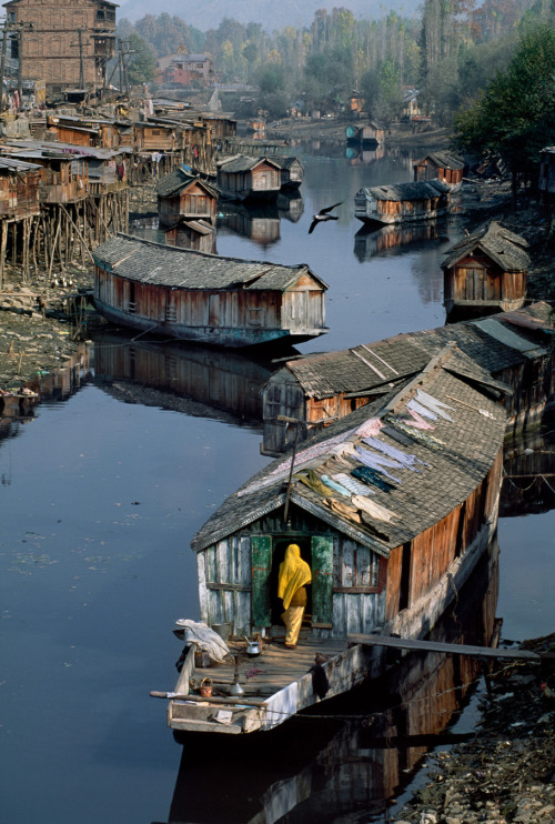 blackchrome:  Steve McCurry - Kashmir