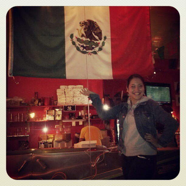 50% Mexicana, oh sea! #mexican #flag  (Taken with Instagram at Tortilleria Nixtamal)