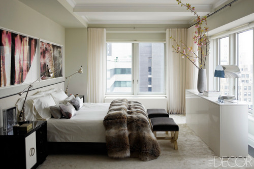 cabbagerose:  ivanka trump's apartment/kelly behun, designer via: casatreschic  Such a gorgeous room.