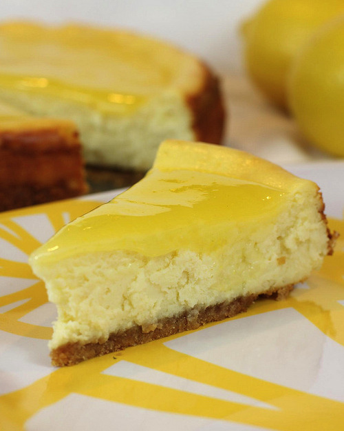 thecakebar:  Double Lemon Cheesecake! (recipe)