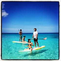 vicsecretmodels:  Sara and Behati paddle boarding!