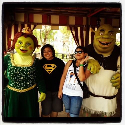 Shrek and fiona. @lizaamir @elmee07  (Taken with Instagram at Universal Studios Singapore)