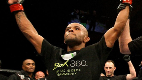Demetrious Johnson claims first flyweight belt via split decision