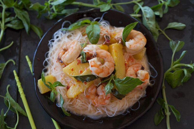 Thai red curry shrimp with Pineapple