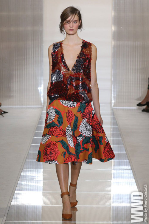 womensweardaily:  Marni RTW Spring 2013 No stranger to exaggerated volume, Consuelo Castiglioni made it the focal point of a strong Marni collection.  For More See all of WWD.com's RTW Spring 2013 Runway Coverage
