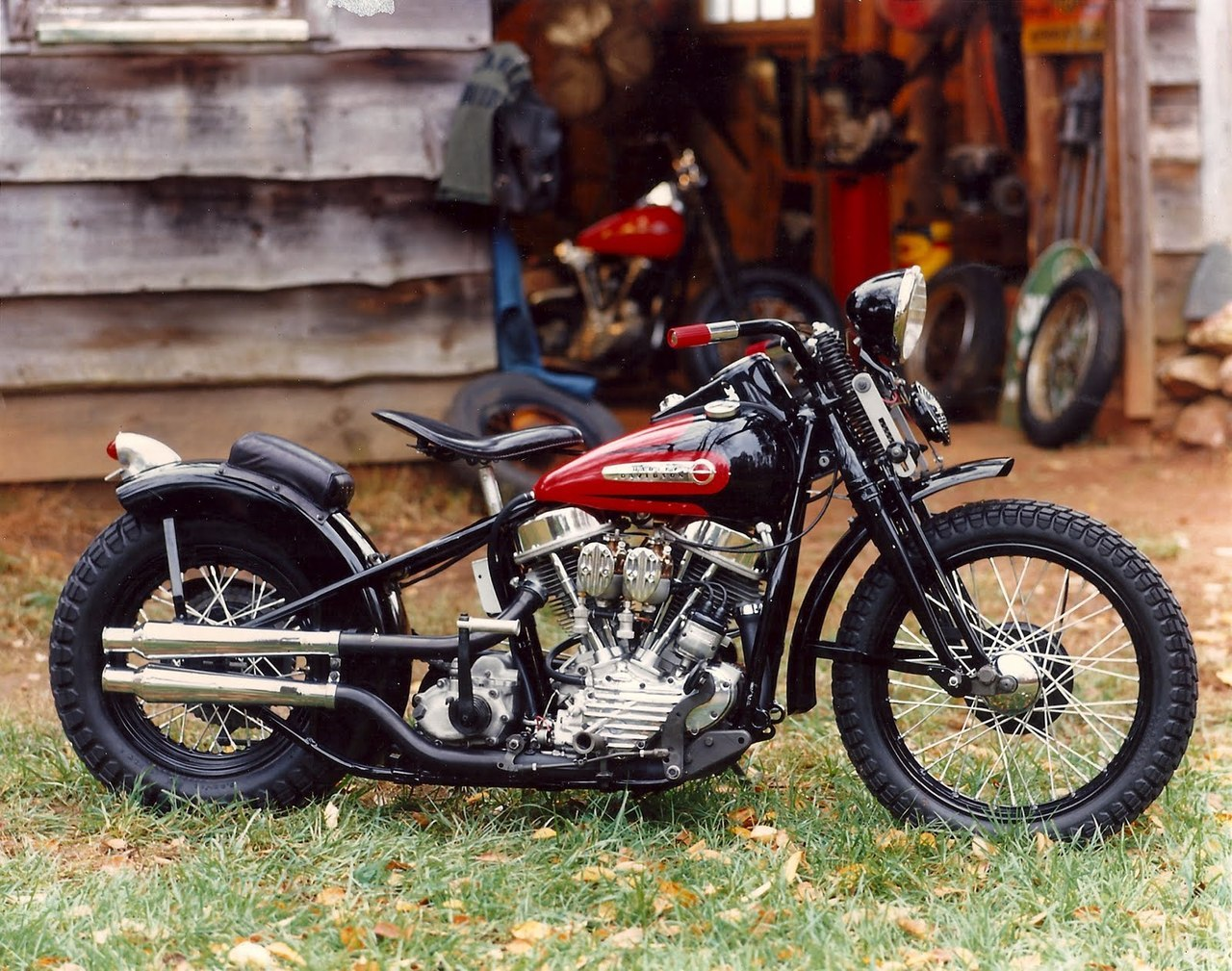 volksrat:  pump100:  shotbike:  Panhead 1948  #hotrod#chopper#vintage#tatoo  Sooo Clean…