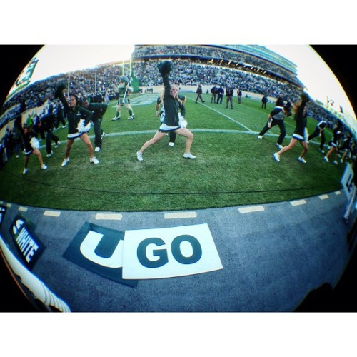 GO #iphone #procamera #olloclip #fisheye #cheerleader #msu #football #spartan #latergram  (Taken with Instagram at Spartan Stadium)