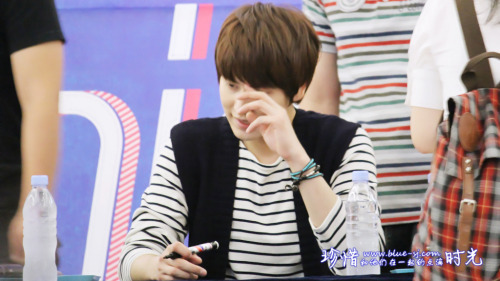 wonderskyu:  120831 'SPY' Fansign Event in Youngdeungpo - KYUHYUN [5P] cr:蓝站BlueSJ官博