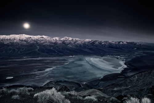 artchipel:  David Orias - Death Valley Overlook