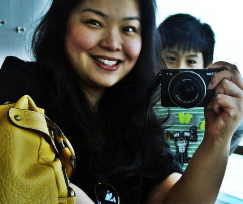 Hah! My boy knows how to Photobomb now :p
