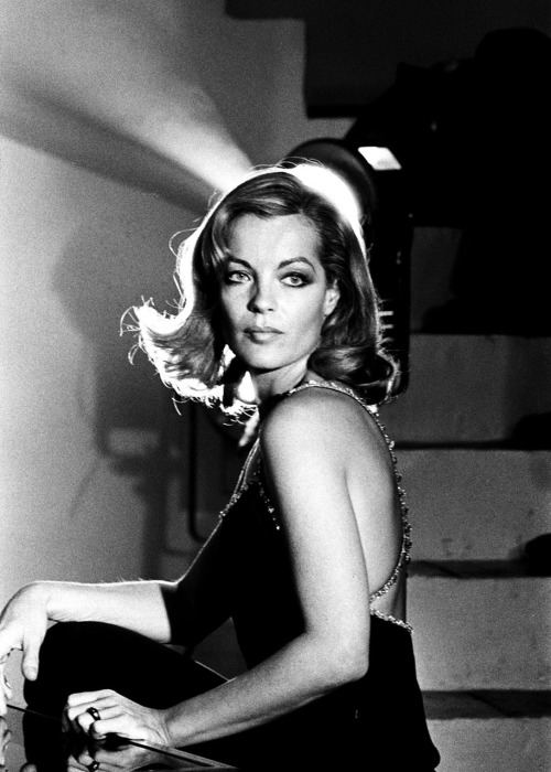 "Happy Birthday, Romy! (Nachträglich) Romy Schneider wäre gestern 74 Jahre alt geworden. Nachträglich alles Gute, Romy. Und entschuldige bitte, dass alle Dich auf Deine Sissi-Filme reduzieren. strangewood:  Romy SchneiderSeptember 23, 1938 — May 29, 1982 ""Romy was brilliant, and had such a natural gift for her work. You could tell her work was part of her, it was everything. She was completely feminine in the best and worst possible ways, and when you're talking about actresses, these two sides always come out as the best. It's an unbeatable combination. She really paid with her life for every brilliant on-screen moment she had."" — Andrzej Żuławski"