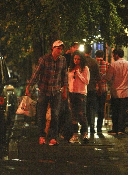 everythingyntk:  Ashton Kutcher and new gf, Mila Kunis out in NYC over the wkend…