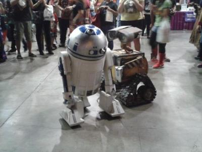 briannacherrygarcia:  My sister got this photo at Comikaze. Epic crossover is epic.