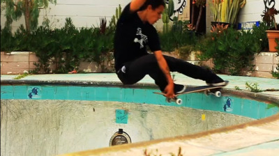 my-twisted-insanity:  David Gonzalez Crail Slide - Possessed To Skate