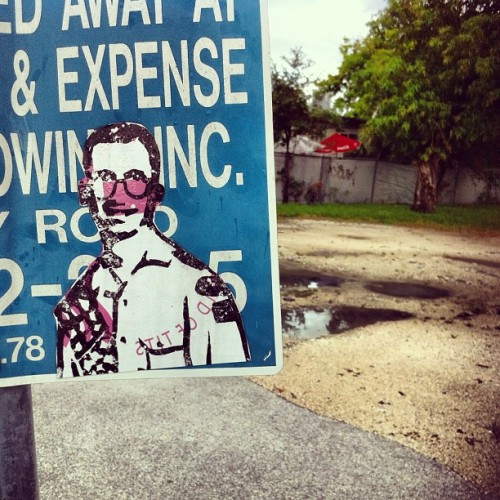 I dug this random slap down in #wynwood #miami #miamistreetart #sticker #stickerart #streetart #slaps #sign #latergram  (Taken with Instagram)