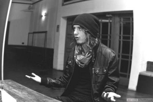 Ben Bruce wearing a beanie…the best thing that has happend to this world so far!