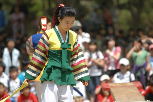 Korean Folk Village - 한국 민속촌 - Suwon, South Korea - U.S. Army - IMCOM - 090507 by Morning Calm News on Flickr.