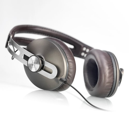 zekarlos:  Momentum Headphones by Sennheiser(via Fancy)