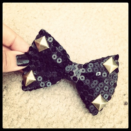 #black #sequin #bow #hairclip #bronze #studs  (Taken with Instagram)