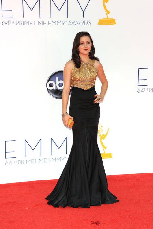 notagingeryet:  Shannon Woodward at the 64th annual Primetime Emmy Awards