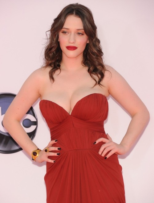 suicideblonde:  bohemea:  Kat Dennings - 2012 Emmys Let's just gaze at this for a bit while we wait for more photos to come in.  I AM SO GAY RIGHT NOW  Sweet mother of all things holy….
