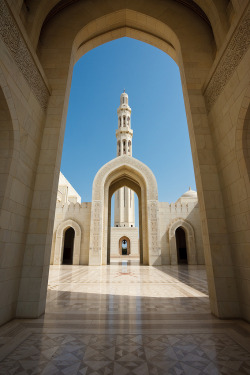 cornersoftheworld:  Sultan Qaboos Grand Mosque, Muscat, Oman.By gordons-joint