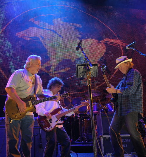 foreverneilyoung:  Neil Young & Crazy Horse at Farm Aid on September 22, 2012