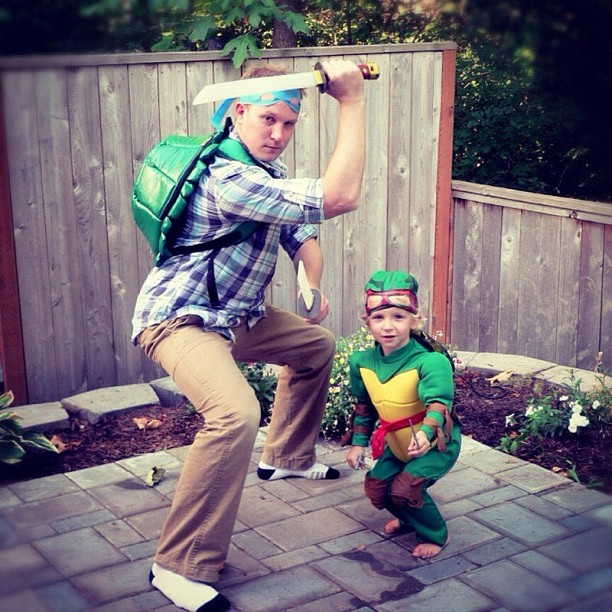 bestnatesmithever:  Leo and Raph (Taken with Instagram)