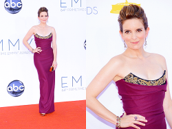 Tina Fey arrives at the 64th Annual Primetime Emmy Awards at Nokia Theatre L.A. Live on September 23, 2012 in Los Angeles, California. (Photo by Kevork Djansezian)  na