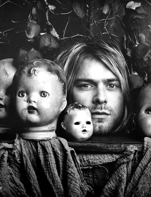 rockleyends:  Flowers, dolls and Kurt