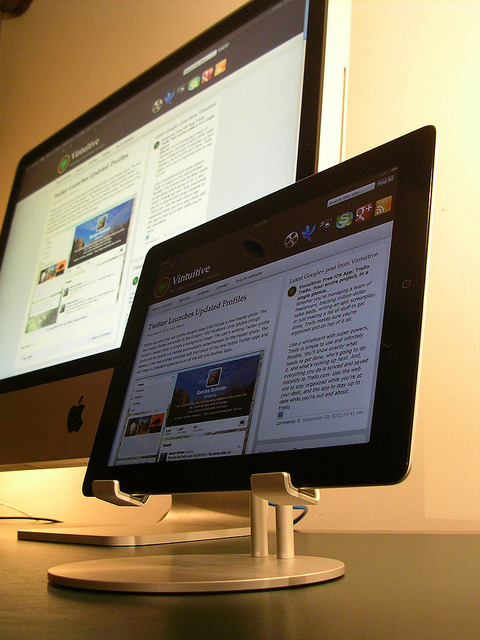 macpix:  iMac Mini-Me by Vintuitive on Flickr.