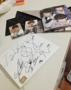 giveaway exo EXO-K Kai oh well sehun jongin mygiveaway signed cd Kyungsoo baekhyun suho d.o chanyeol autographed wow i'm kinda sad about this giveaway if this one goes well then maybe i'll do a sherlock album giveaway next time?