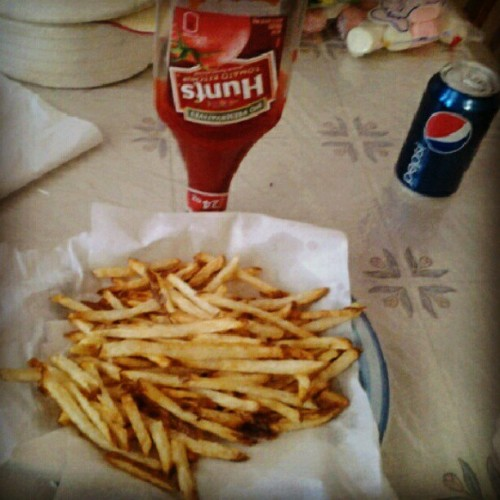 Home made freedom fries ;D take that burgerking >.< (Taken with Instagram)