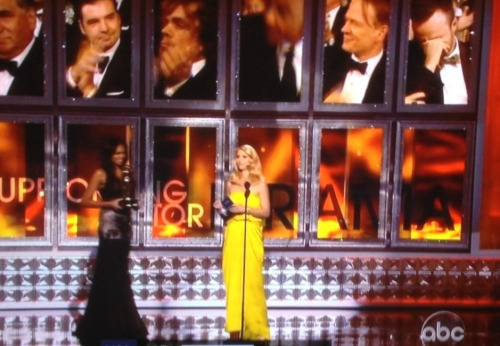 Yellow Dress swept the Emmys. I assume everyone has already talked about what a splash Yellow Dress made, and how a sleeper hit like Yellow Dress finally got the recognition it deserved. Still, allow me to contribute my voice and say that I've long admired Yellow Dress and look forward to its work in this coming season.