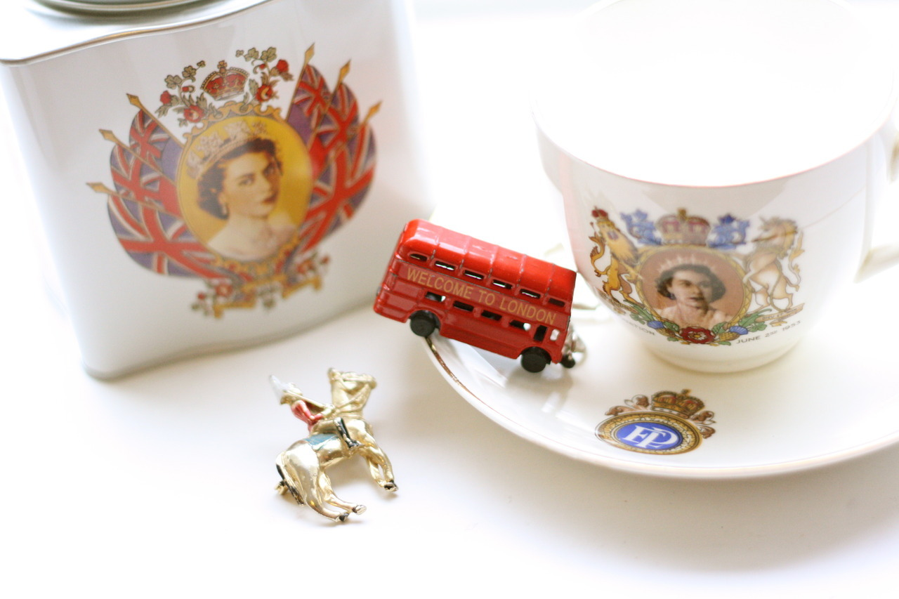 Vintage London souvenirs for the Queen's Diamond Jubilee