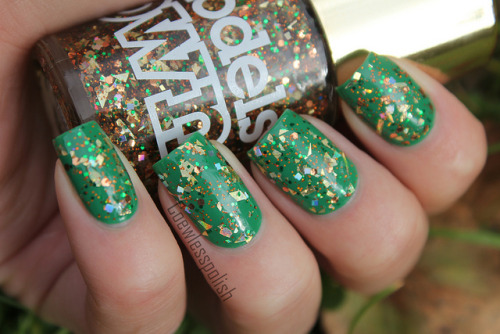 Models Own Disco Inferno on Flickr.Over Essie Pretty Edgy. I really like this!!www.coewlesspolish.wordpress.com